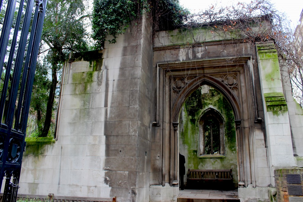 St Dunstan in the East - Weekend Travel Flash