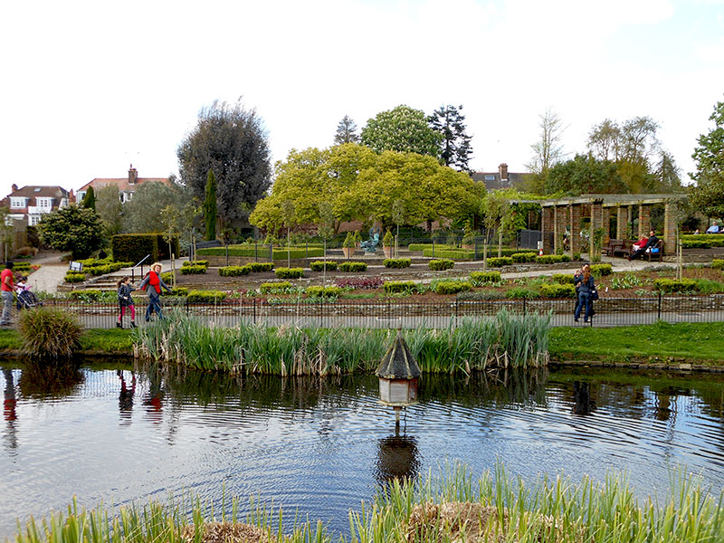 Golders-Hill-Park-Pond