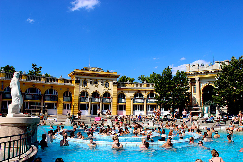 szechenyi-baths-whirpool