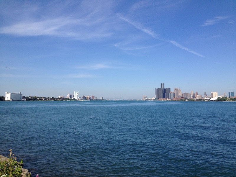 View-from-Belle-Isle---Detroit-right-Windsor-left