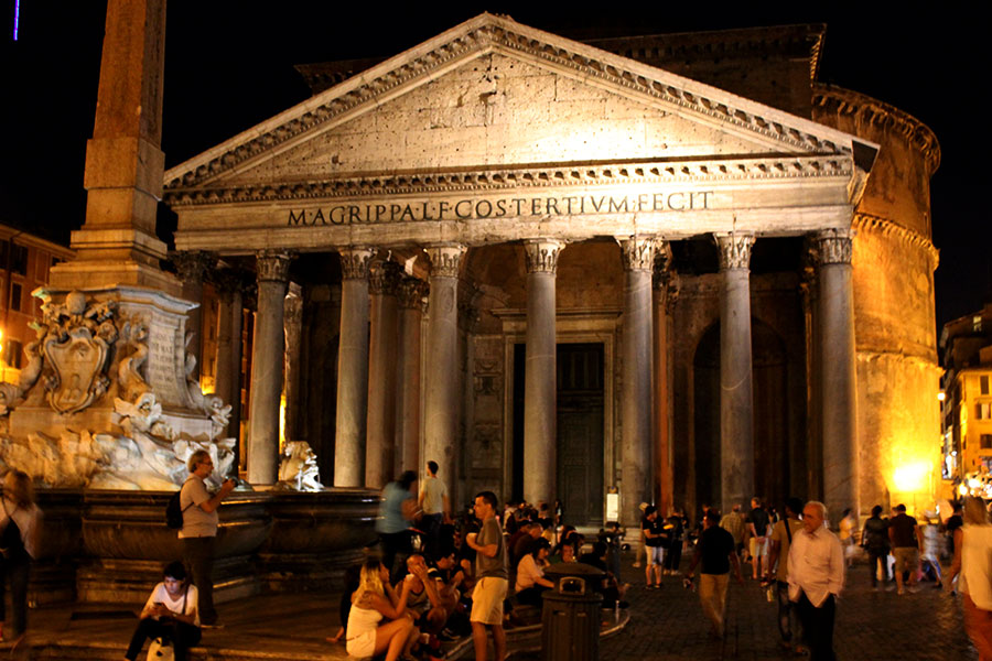 Rome-Phanteon-at-Night