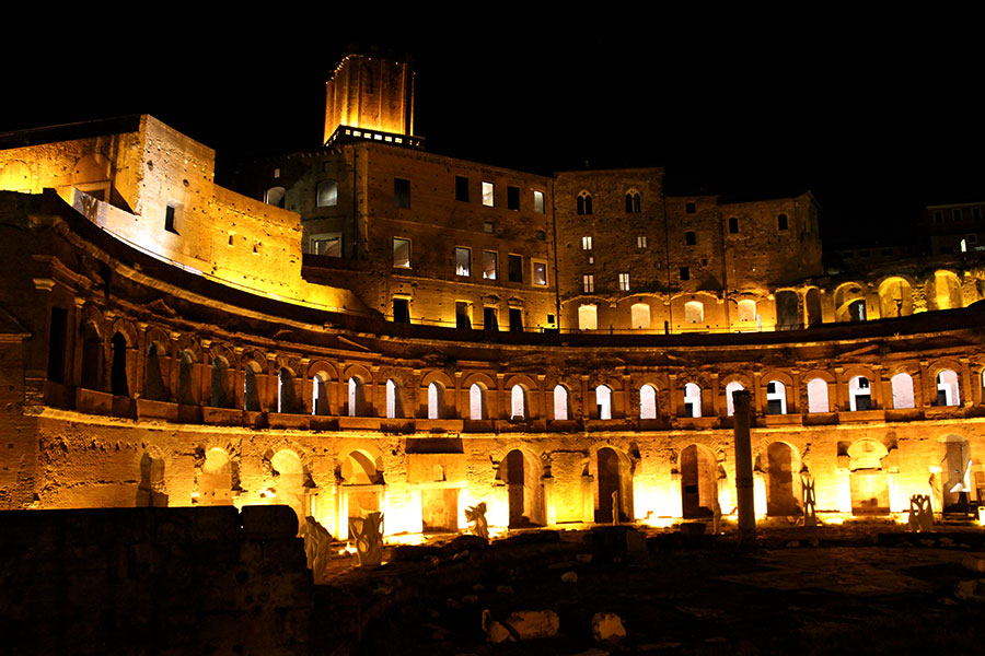 rome-at-night-ancient