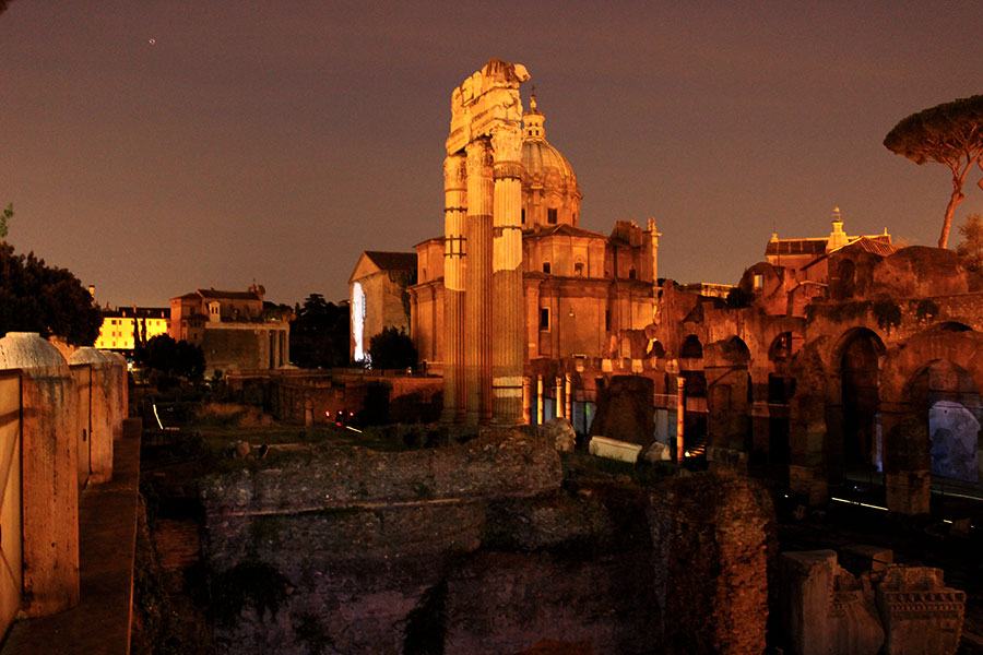 Rome at Night: a Photo Essay