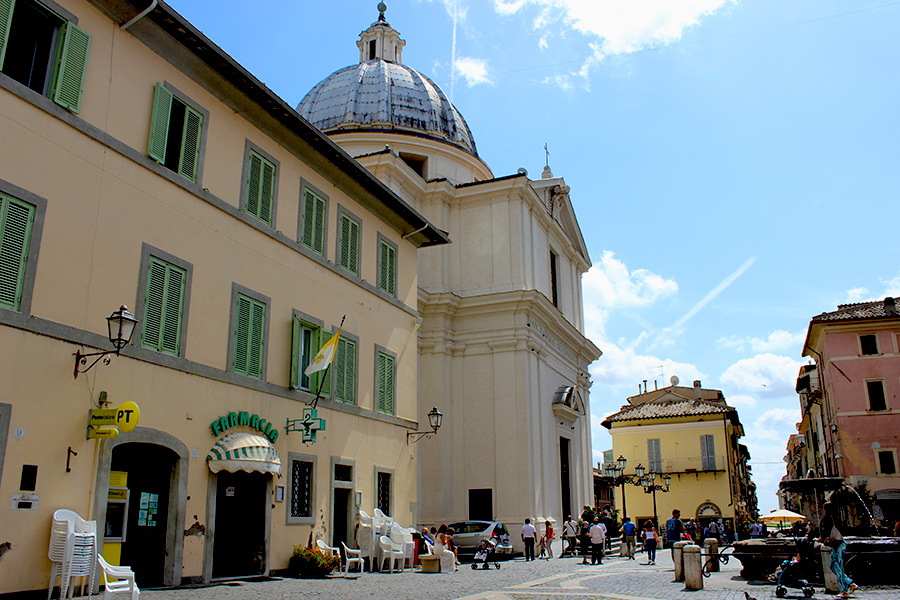 castel-gandolfo-church