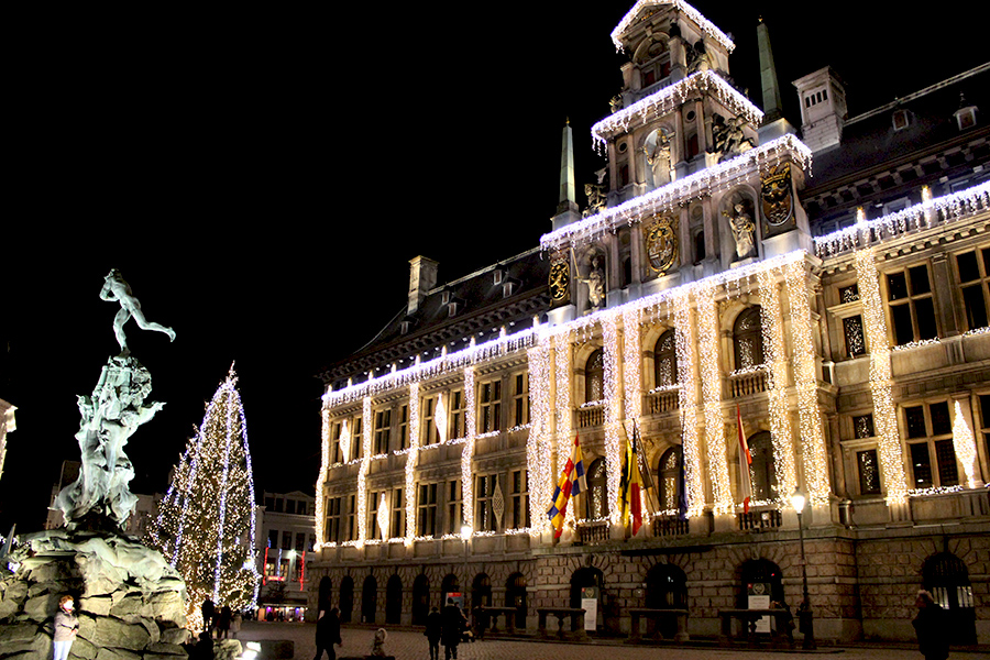Antwerp-town-hall