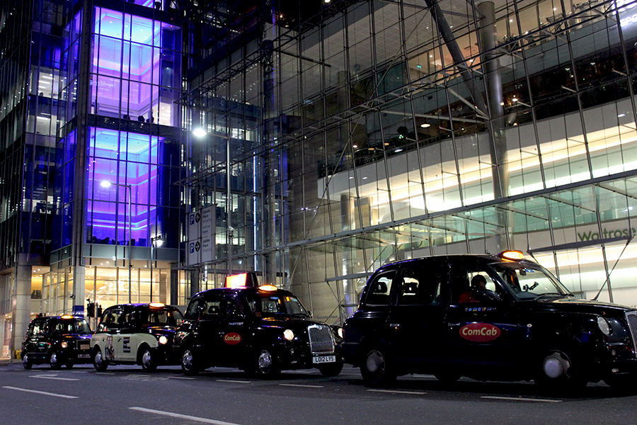 canary-wharf-black-cabs-airport