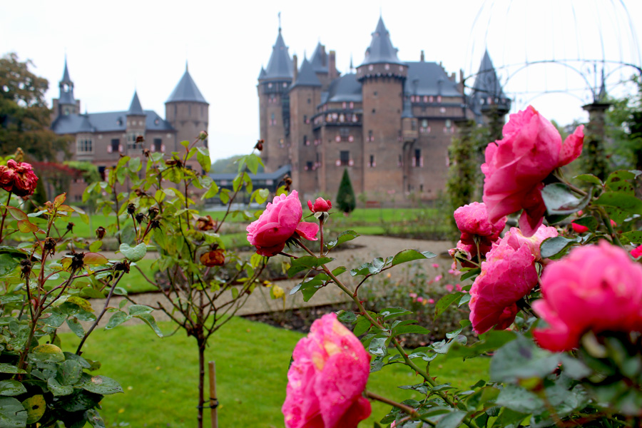 Castle de Haar – Wednesday Travel Flash