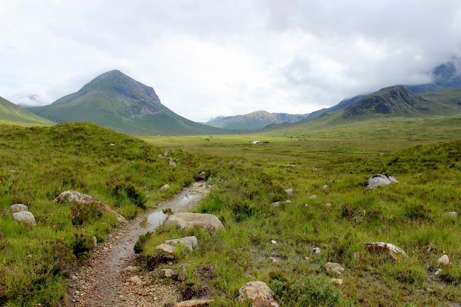Isle-of-Skye-mountains