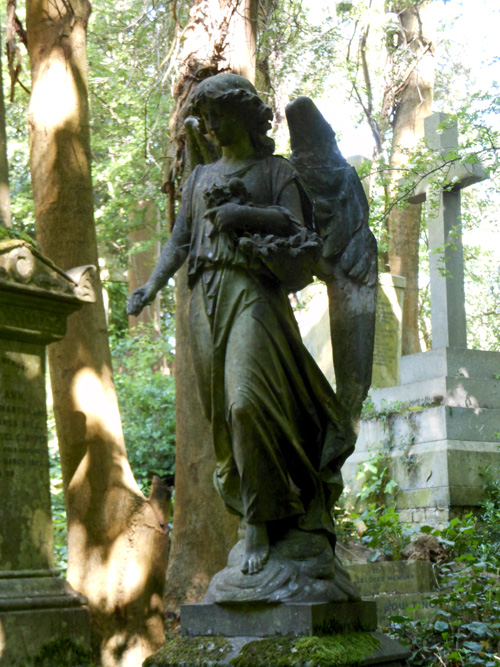 highgate-cemetery-angel