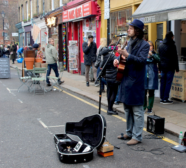 Busker-Columbia-Road