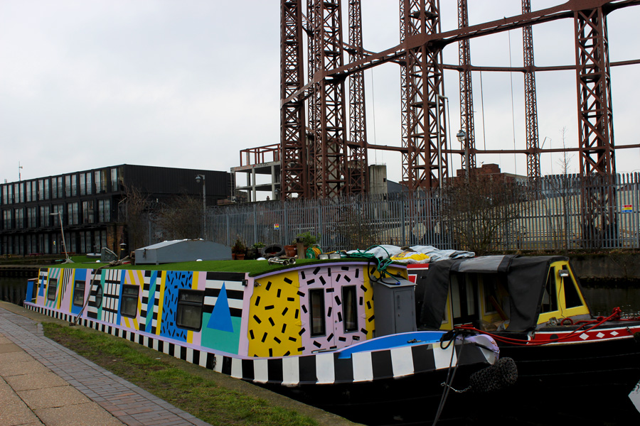 Coloured-boat-Regent's-Canal