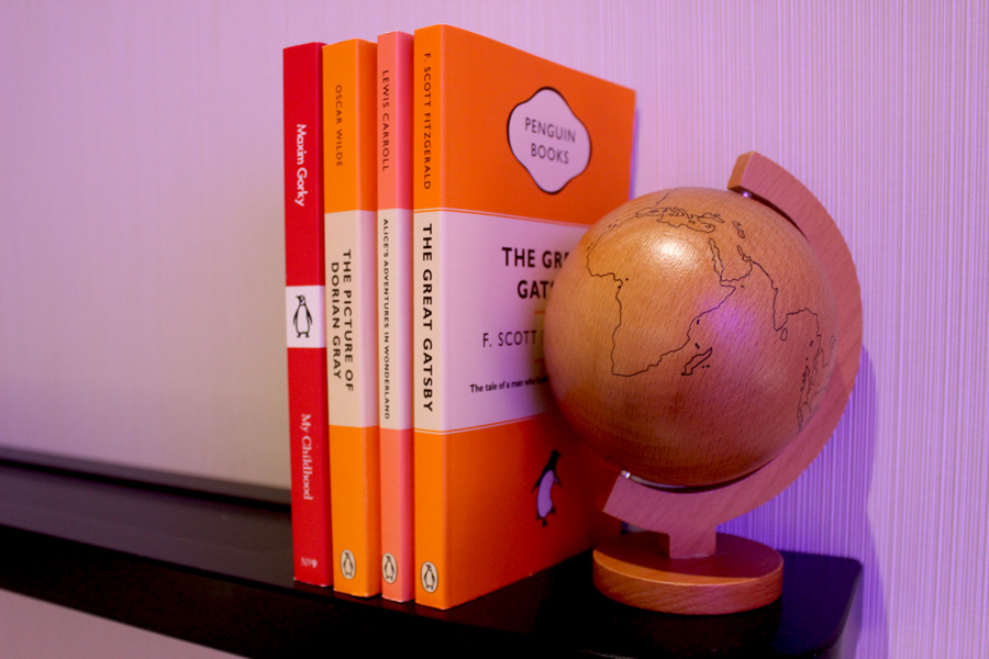 CitizenM-Penguin-books