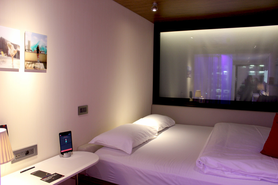 CitizenM-room