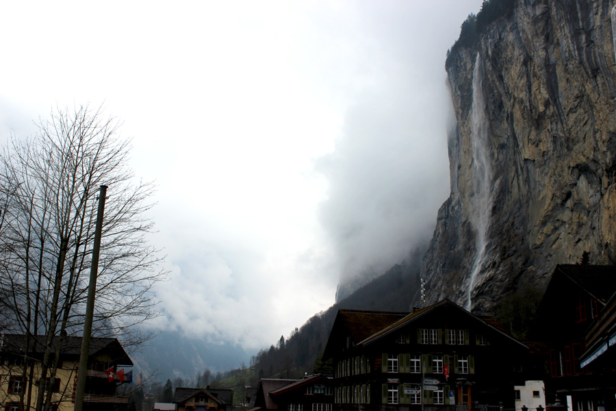Lauterbrunnen-waterfall