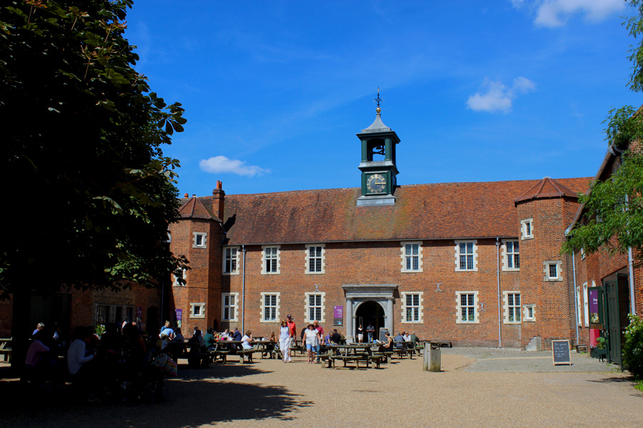 Osterley-stable-cafe