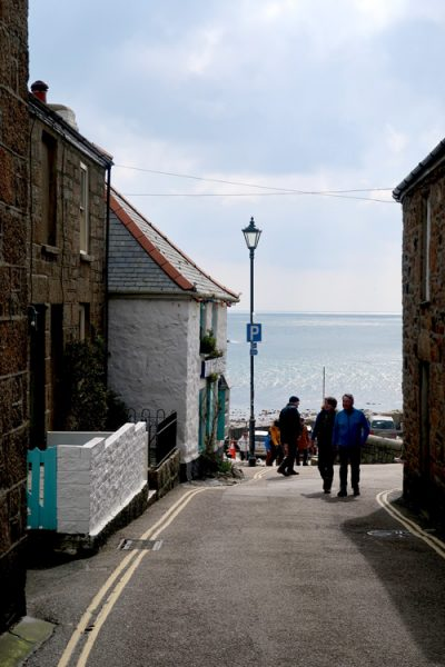 Mousehole-alley