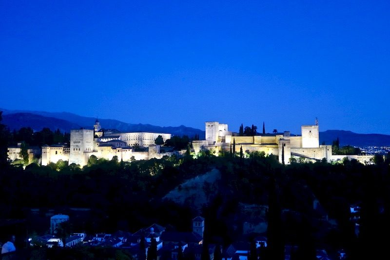 the alhambra granada at night